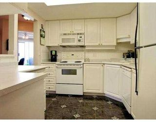 """Photo 3: 902 1185 QUAYSIDE DR in New Westminster: Quay Condo for sale in """"The Riviera"""" : MLS®# V588985"""