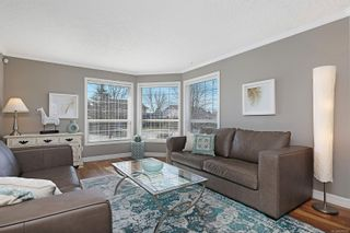 Photo 4: 939 Brooks Pl in Courtenay: CV Courtenay East House for sale (Comox Valley)  : MLS®# 870919