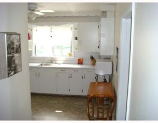 Photo 6: 115 BANK Avenue in WINNIPEG: St Vital Residential for sale (South East Winnipeg)  : MLS®# 2815561
