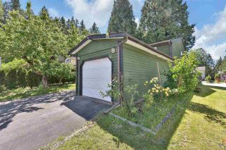 """Photo 2: 10133 147A Street in Surrey: Guildford House for sale in """"GREEN TIMBERS"""" (North Surrey)  : MLS®# R2591161"""