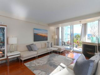 "Photo 3: 404 1485 W 6TH Avenue in Vancouver: False Creek Condo for sale in ""Carrara of Portico"" (Vancouver West)  : MLS®# R2408477"