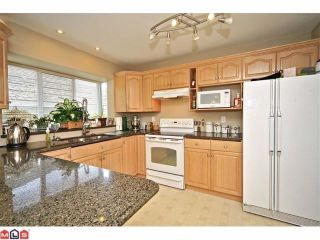 """Photo 4: 102 4001 OLD CLAYBURN Road in Abbotsford: Abbotsford East Townhouse for sale in """"CEDAR SPRINGS"""" : MLS®# F1306251"""