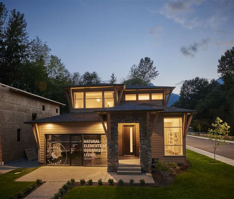 FEATURED LISTING: 39289 CARDINAL Drive Squamish
