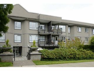 Photo 1: 106 555 W 14TH Avenue in Vancouver: Fairview VW Condo for sale (Vancouver West)  : MLS®# V1072557