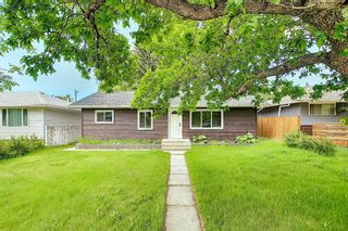 Photo 1: 2445 Elmwood Drive SE in Calgary: Southview Detached for sale : MLS®# A1119973