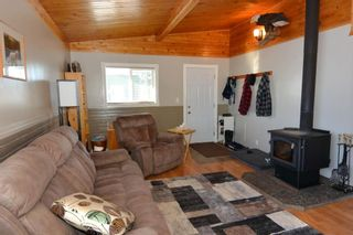 """Photo 13: 7255 WOODMERE Road in Smithers: Smithers - Rural Manufactured Home for sale in """"WOODMERE"""" (Smithers And Area (Zone 54))  : MLS®# R2438178"""