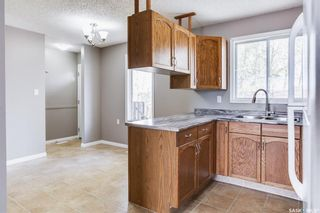 Photo 9: 2 Gray Avenue in Saskatoon: Forest Grove Residential for sale : MLS®# SK859432