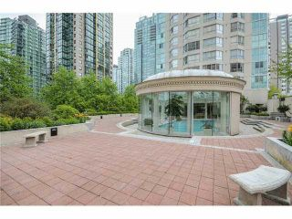 "Photo 2: 202 717 JERVIS Street in Vancouver: West End VW Condo for sale in ""EMERALD WEST"" (Vancouver West)  : MLS®# R2541468"