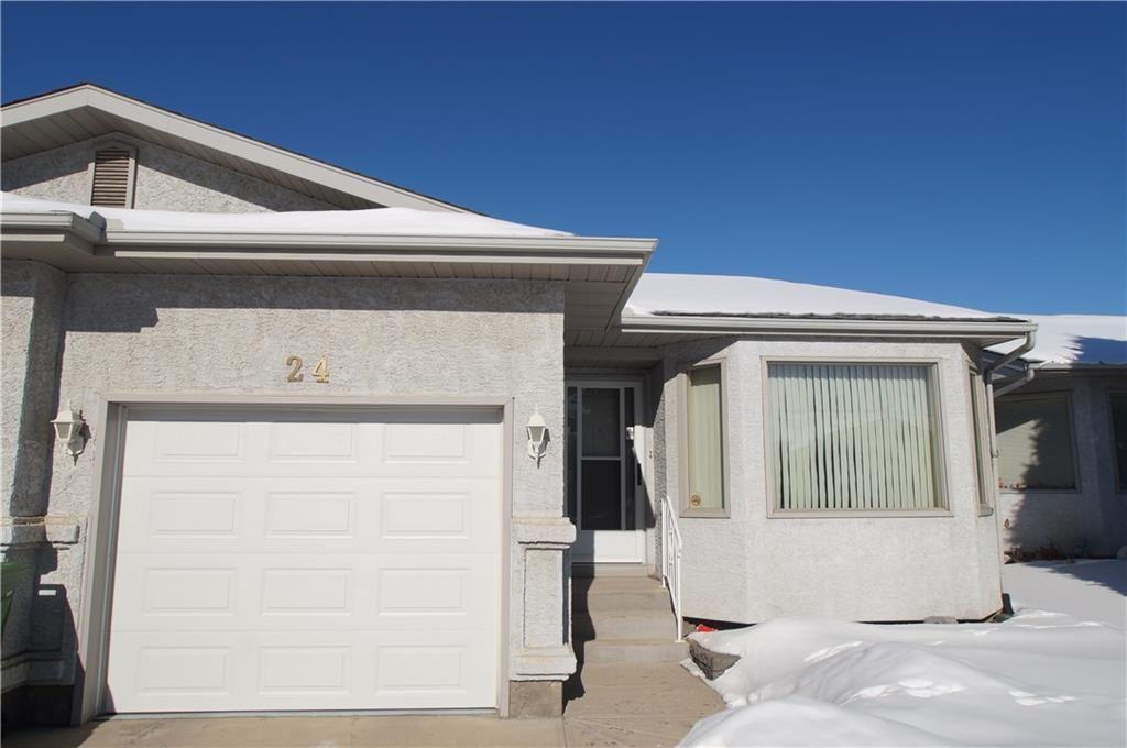 Main Photo: 24 Rundlelawn GR NE in Calgary: Rundle House for sale : MLS®# C4167039