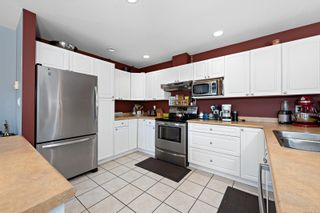 Photo 3: 2876 Ulverston Ave in : CV Cumberland House for sale (Comox Valley)  : MLS®# 879581