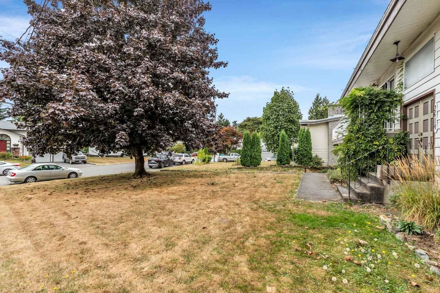 Photo 39: Photos: 2614 VALEMONT Crescent in Abbotsford: Abbotsford West House for sale : MLS®# R2611366