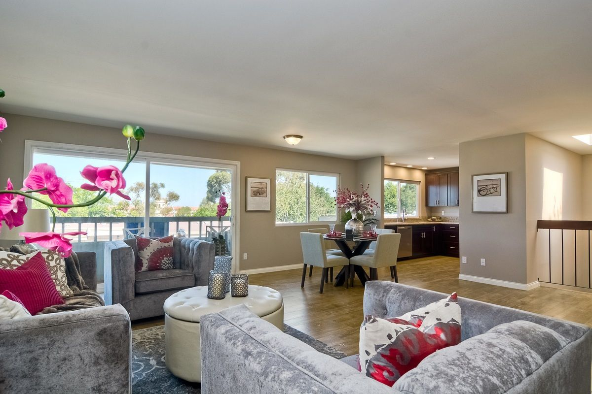 Main Photo: MISSION VALLEY Townhouse for sale : 3 bedrooms : 6251 Caminito Salado in San Diego