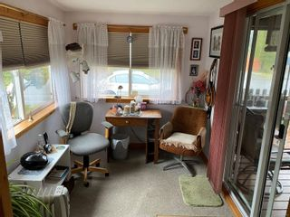 Photo 2: 2091 Stadacona Dr in : CV Comox (Town of) Manufactured Home for sale (Comox Valley)  : MLS®# 863711