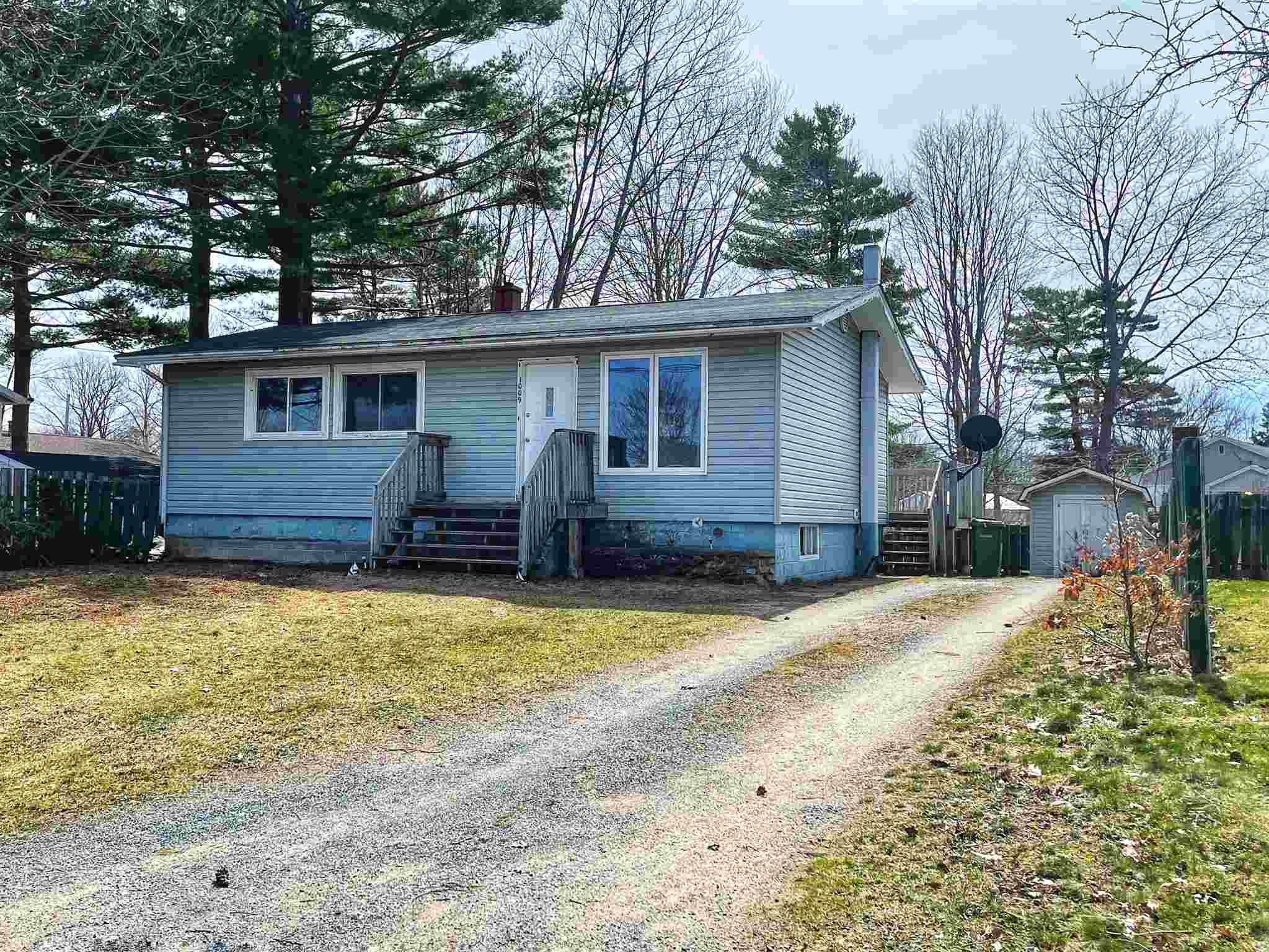 Main Photo: 1009 Kenwood Avenue in Greenwood: 404-Kings County Residential for sale (Annapolis Valley)  : MLS®# 202104592
