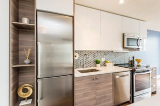 """Photo 6: 1610 550 TAYLOR Street in Vancouver: Downtown VW Condo for sale in """"The Taylor"""" (Vancouver West)  : MLS®# R2251836"""