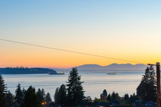 Photo 39: 2277 LAWSON Avenue in West Vancouver: Dundarave House for sale : MLS®# R2618791