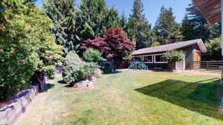 "Photo 3: 2363 THE BOULEVARD in Squamish: Garibaldi Highlands House for sale in ""Garibaldi Highlands"" : MLS®# R2602086"