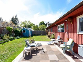 Photo 2: 1731 Tofino Pl in COMOX: CV Comox (Town of) House for sale (Comox Valley)  : MLS®# 839291