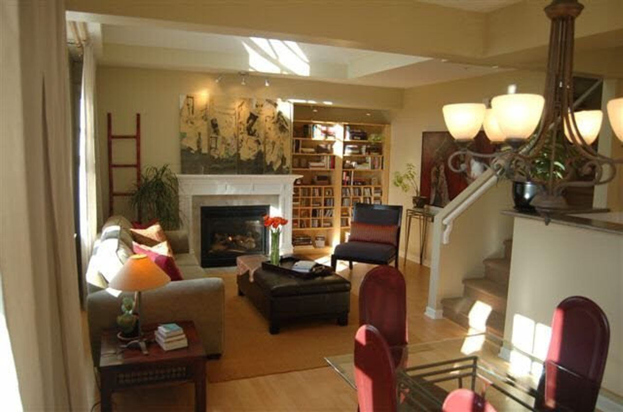 Photo 5: Photos: 1807 NAPIER Street in Vancouver: Grandview Woodland Condo for sale (Vancouver East)  : MLS®# R2443226