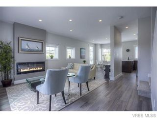 Photo 6: 114 2737 Jacklin Rd in VICTORIA: La Langford Proper Row/Townhouse for sale (Langford)  : MLS®# 744179