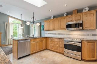 Photo 15: 1207 FOSTER Avenue in Coquitlam: Central Coquitlam House for sale : MLS®# R2586745