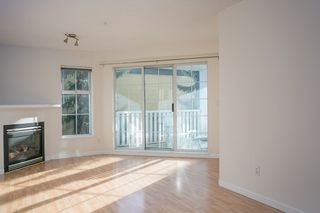"Photo 2: 214 147 E 1ST Street in North Vancouver: Lower Lonsdale Condo for sale in ""CORONADO"" : MLS®# R2131365"
