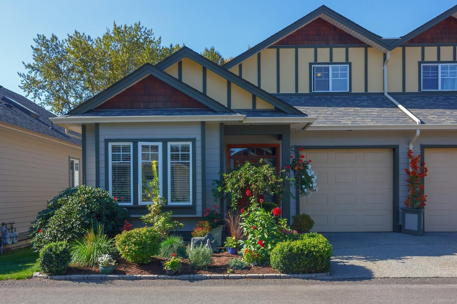 Main Photo: 12 131 McKinstry Rd in : Du East Duncan Row/Townhouse for sale (Duncan)  : MLS®# 857909