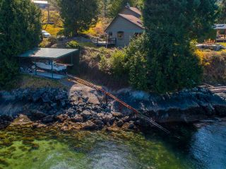 Photo 2: 3941 FRANCIS PENINSULA Road in Madeira Park: Pender Harbour Egmont House for sale (Sunshine Coast)  : MLS®# R2562951
