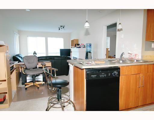"Photo 6: Photos: 205 1576 GRANT Avenue in Port_Coquitlam: Glenwood PQ Condo for sale in ""THE BROWNSTONE"" (Port Coquitlam)  : MLS®# V686195"