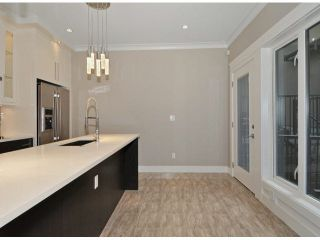 Photo 10: A 234 E 18TH Street in North Vancouver: Central Lonsdale 1/2 Duplex for sale : MLS®# V1069556