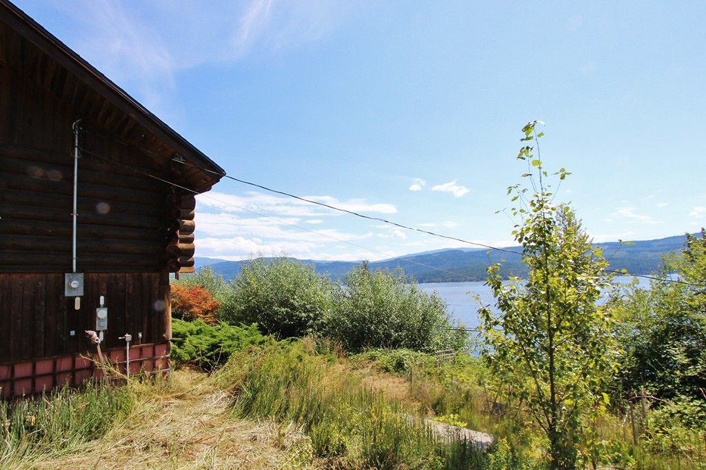 Photo 3: Photos: 8079 Squilax Anglemont Highway: St. Ives House for sale (North Shuswap)  : MLS®# 10179329