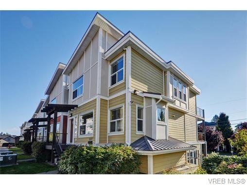Main Photo: 2697 Azalea Lane in VICTORIA: La Langford Proper Row/Townhouse for sale (Langford)  : MLS®# 743077