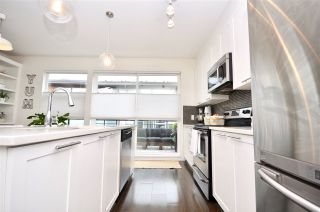 """Photo 14: 6 16223 23A Avenue in Surrey: Grandview Surrey Townhouse for sale in """"THE BREEZE"""" (South Surrey White Rock)  : MLS®# R2465177"""