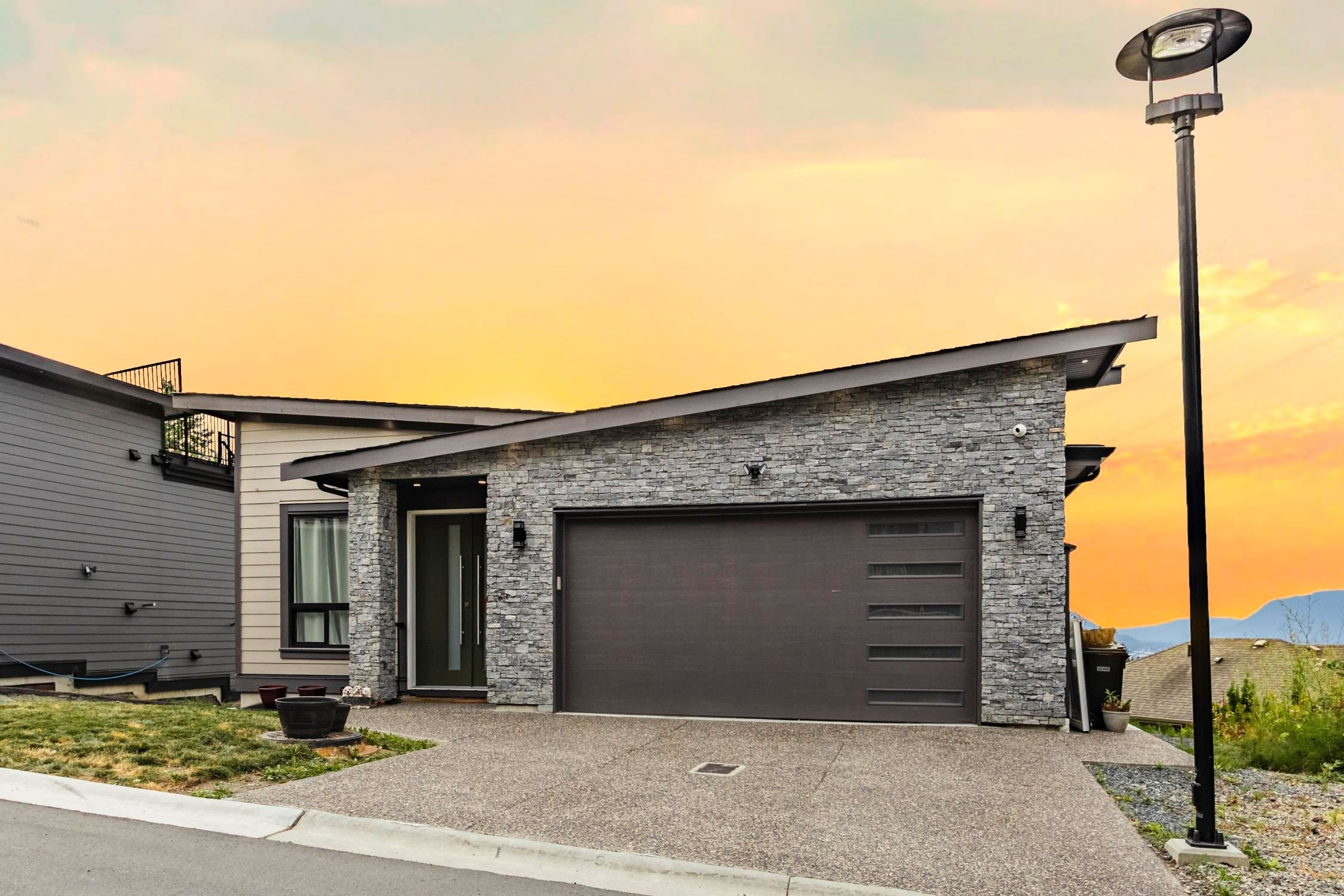 Main Photo: 7 5248 GOLDSPRING Place in Chilliwack: Promontory House for sale (Sardis)  : MLS®# R2607550