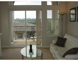 Photo 3: 409 4799 Brentwood Dr. in Burnaby: Brentwood Park Condo for sale (Burnaby North)  : MLS®# V729814