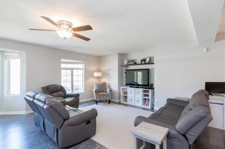 Photo 2: 561 Community Row in Winnipeg: Charleswood Residential for sale (1G)  : MLS®# 202017186