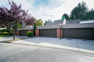 """Photo 2: 6590 PINEHURST Drive in Vancouver: South Cambie Townhouse for sale in """"Langara Estates"""" (Vancouver West)  : MLS®# R2617175"""