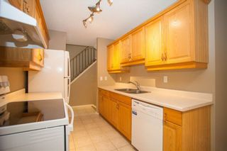 Photo 4: 189 CALLINGWOOD Place in Edmonton: Zone 20 Townhouse for sale : MLS®# E4246325