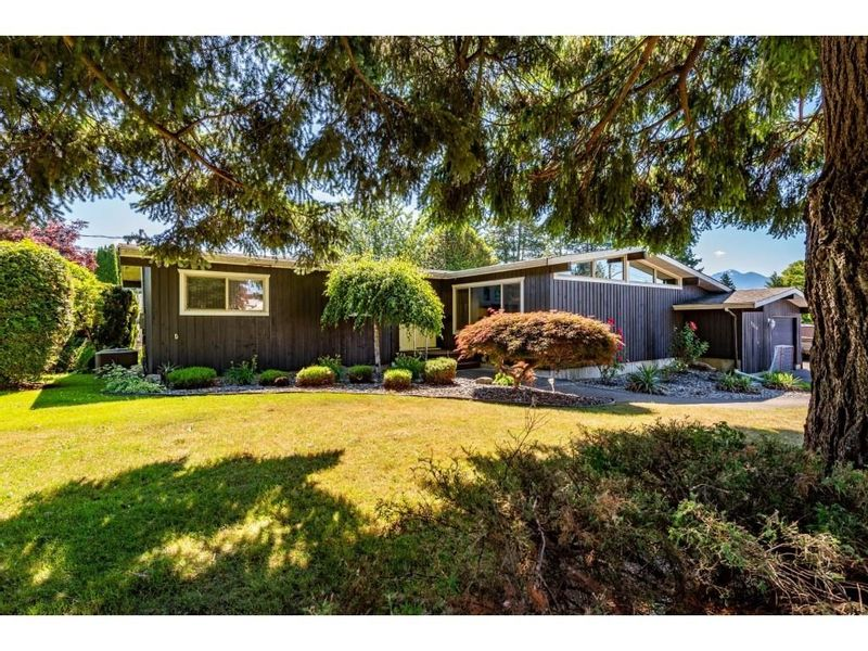 FEATURED LISTING: 9864 CAWLEY Street Chilliwack