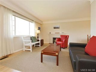 Photo 4: 333 Stannard Ave in VICTORIA: Vi Fairfield West House for sale (Victoria)  : MLS®# 723018