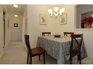 Photo 11: 301 1580 Christmas Ave in VICTORIA: SE Mt Tolmie Condo for sale (Saanich East)  : MLS®# 489978