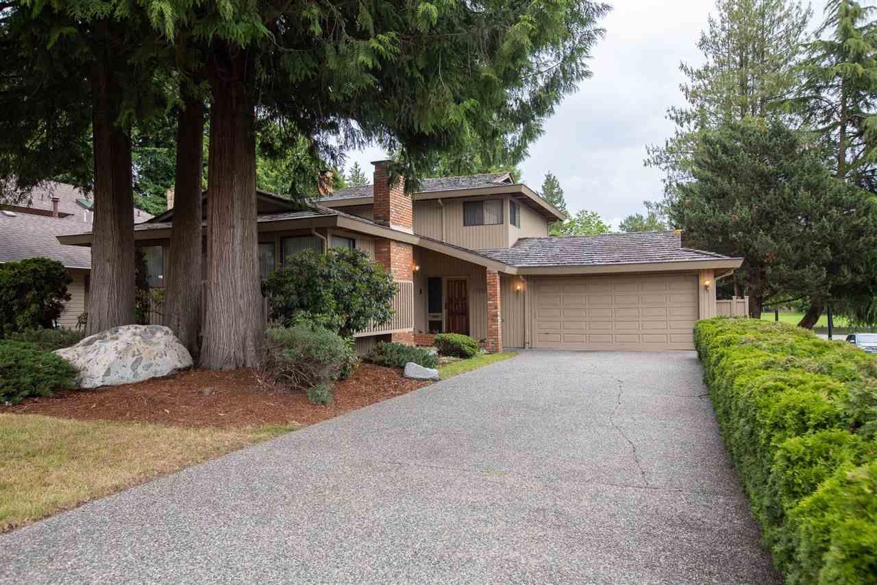 "Main Photo: 11797 SUMMIT Crescent in Delta: Sunshine Hills Woods House for sale in ""Sunshine Hills"" (N. Delta)  : MLS®# R2592395"