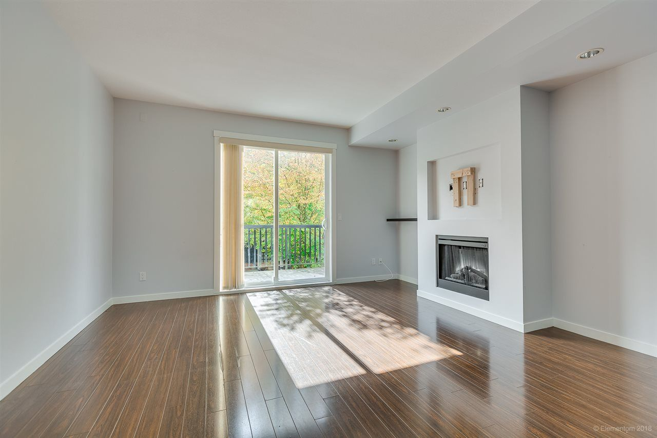 """Photo 5: Photos: 39 101 FRASER Street in Port Moody: Port Moody Centre Townhouse for sale in """"CORBEAU"""" : MLS®# R2410507"""