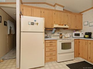 Photo 9: 21 1581 Middle Rd in VICTORIA: VR Glentana Manufactured Home for sale (View Royal)  : MLS®# 799550