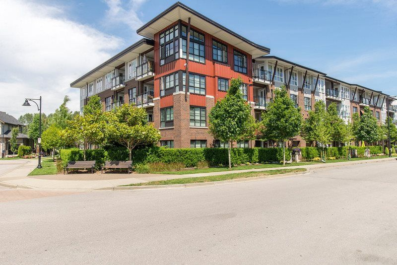"""Main Photo: 408 23215 BILLY BROWN Road in Langley: Fort Langley Condo for sale in """"WATERFRONT AT BEDFORD LANDING"""" : MLS®# R2390619"""