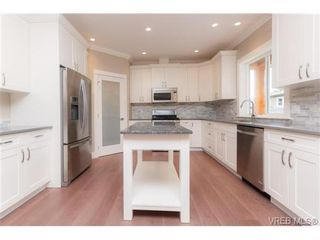 Photo 7: 3649 Coleman Pl in VICTORIA: Co Latoria House for sale (Colwood)  : MLS®# 685080