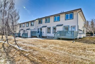 Photo 3: 907 Citadel Heights NW in Calgary: Citadel Row/Townhouse for sale : MLS®# A1088960