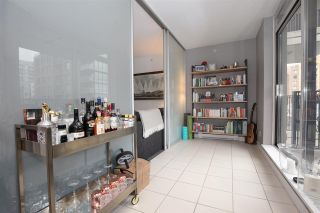 """Photo 8: 1106 1055 HOMER Street in Vancouver: Yaletown Condo for sale in """"DOMUS"""" (Vancouver West)  : MLS®# R2518319"""