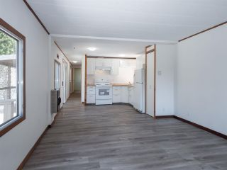 """Photo 10: 7 12248 SUNSHINE COAST Highway in Madeira Park: Pender Harbour Egmont Manufactured Home for sale in """"SEVEN ISLES"""" (Sunshine Coast)  : MLS®# R2604086"""