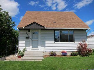 Photo 1: 785 Harbison Avenue East in WINNIPEG: East Kildonan Residential for sale (North East Winnipeg)  : MLS®# 1212027